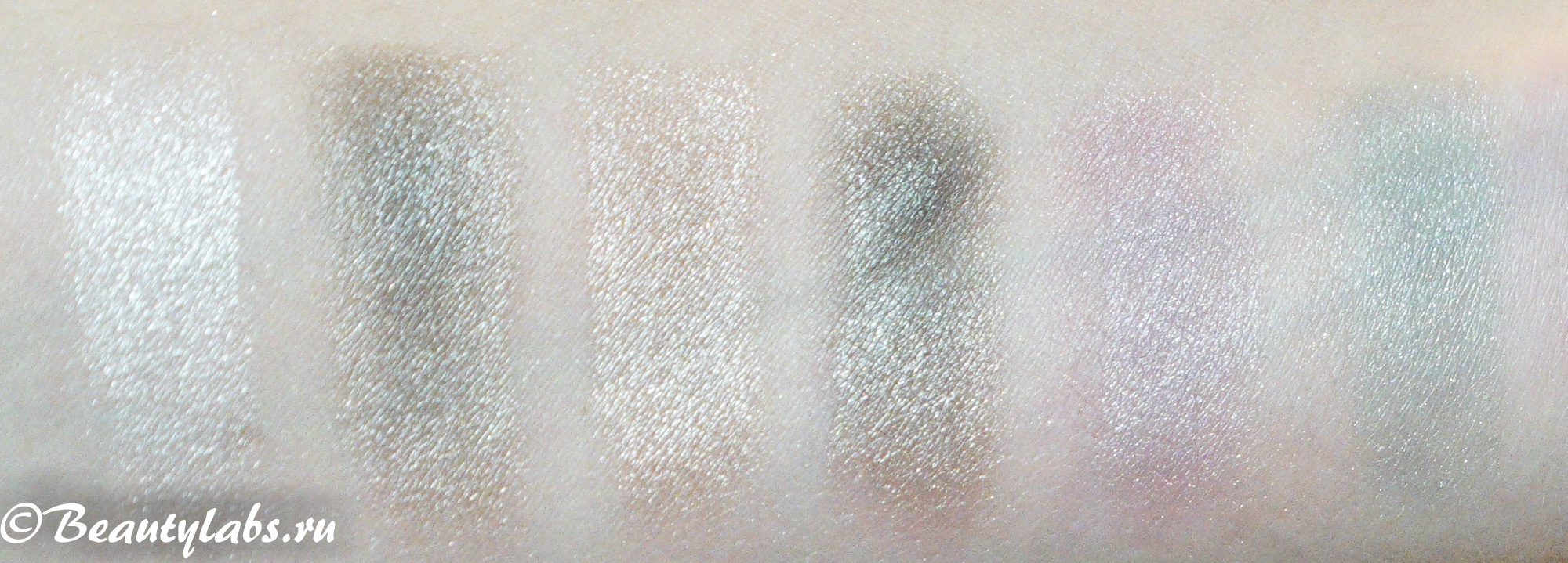 Oriflame The ONE Featherlight Loose Eye Shadow