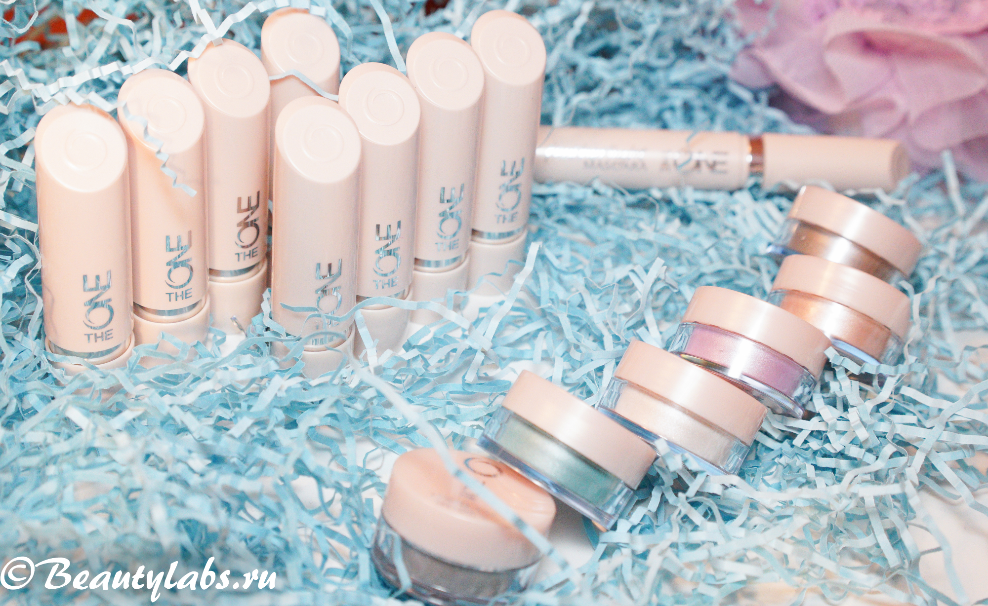Oriflame The ONE Featherlight