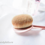 Кисть-щетка MakeUp Revolution Precision Brush Oval Shape