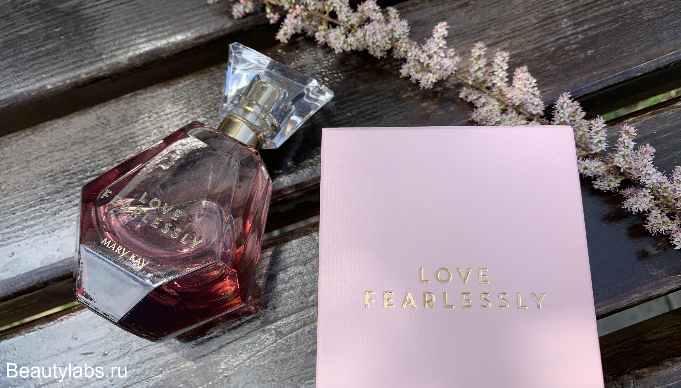 Парфюмерная вода Love Fearlessly Mary Kay
